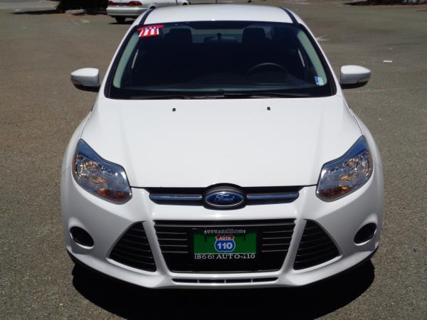 2013 FORD FOCUS whiteblack acabs alloy wheelsamfm stereocd playerplockpwindowtilt 649