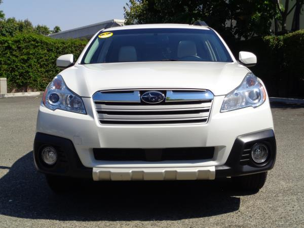 2014 SUBARU OUTBACK white cvt acabs alloy wheelsamfm stereoawdcd playercruise controlmo