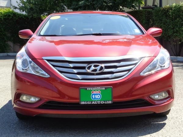 2013 HYUNDAI SONATA red automatic acabs alloy wheelsamfm stereocd playercruise controlmp