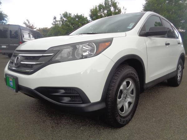2012 HONDA CR-V whiteblack 5 speed automatic 57555 miles Stock 2209 VIN 2HKRM3H35CH503350