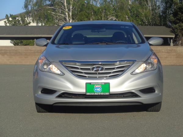 2011 HYUNDAI SONATA silver 6 speed automatic 81958 miles Stock 2314 VIN 5NPEB4AC4BH196112