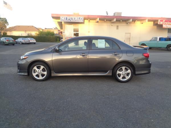 2012 TOYOTA COROLLA grayblack 5 speed automatic 62620 miles Stock 2318 VIN 5YFBU4EE7CP02611