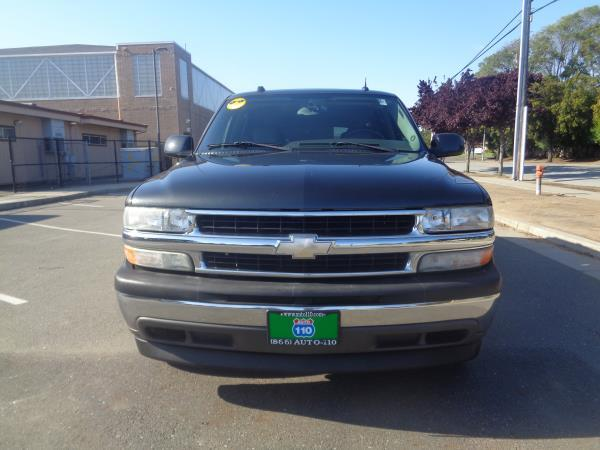 2005 CHEVROLET SUBURBAN graybeige automatic 109917 miles Stock 2327 VIN 3GNEC16ZX5G215730