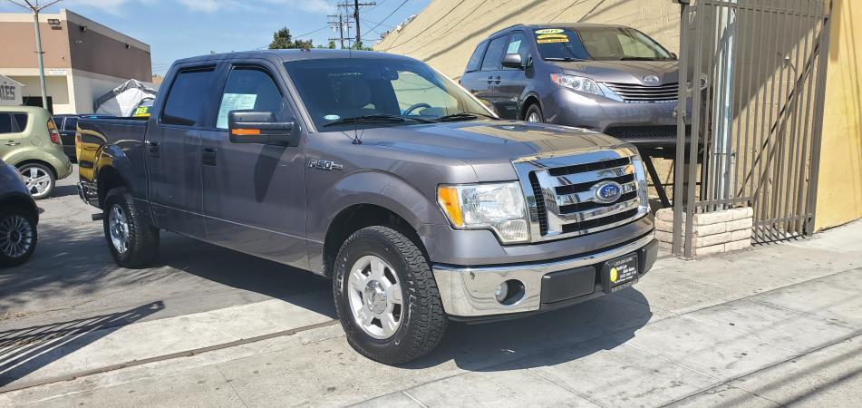 FORD F-150- XLT-FLEX FUEL