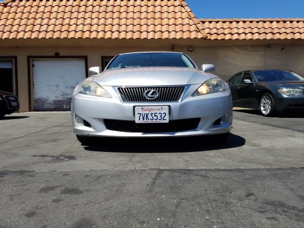 LEXUS IS250 BASE