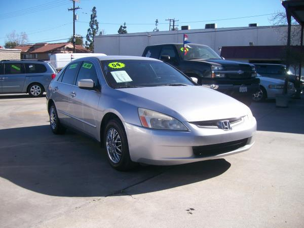 2004 HONDA ACCORD  LX silvercharcole auto air conditioneramfm radioanti-lock brakescd playe