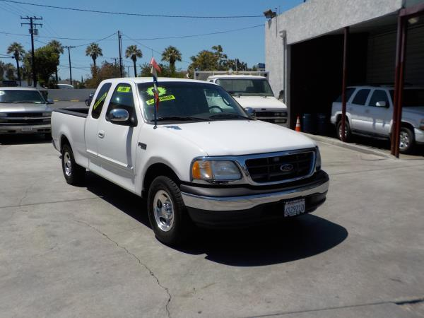 2001 FORD F150 SUPER CAB whitegrey auto air conditioneramfm radioanti-lock brakescassette p