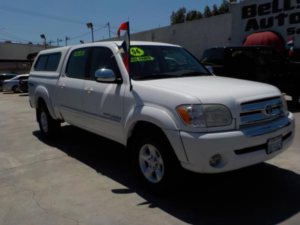 2006 TOYOTA TUNDRA CREW CAB TRD whitetan auto air conditioneralarmamfm radioanti-lock brake