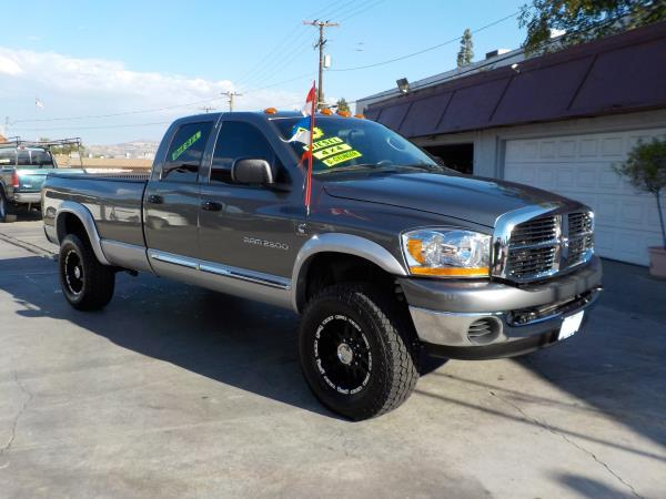 2006 DODGE RAM PICKUP 2500 QUAD CAB 4WD graysilvergrey auto air conditioneramfm radioanti-l