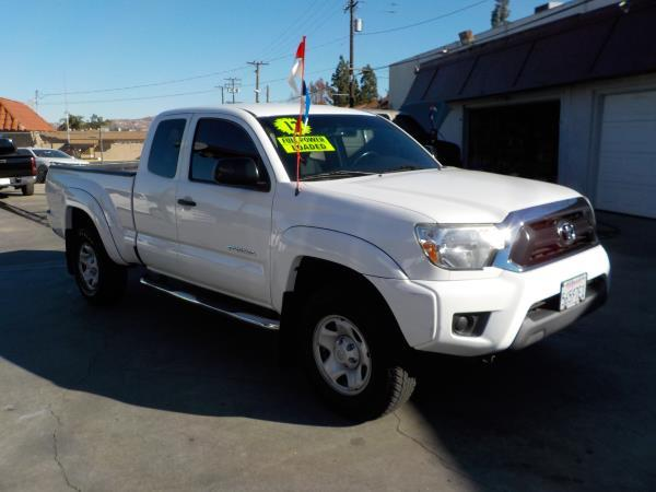 2012 TOYOTA TACOMA whitegrey auto 100894 miles Stock 8215 VIN 5TFTX4GN0CX010864 Call now f