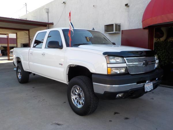 2006 CHEVROLET SILVERADO whitecharcole auto air conditioneralarmamfm radioanti-lock brakes