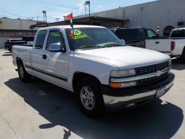 1999 CHEVROLET SILVERADO 1500 X CAB whitetan automatic air conditioneralarmamfm radioanti-l