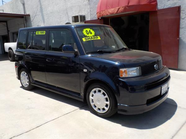 2006 SCION XB blueblack 4 speed automatic air conditioneramfm radiocd playerchild-safety la