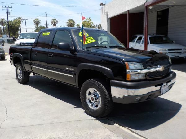 2005 CHEVROLET SILVERADO 1500 HD CREW 4WD blackcharcole automatic air conditioneralarmamfm r