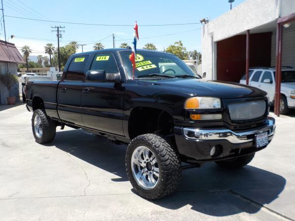 2005 GMC SIERRA 2500HD CREW 4WD blackcharcole auto air conditioneralarmamfm radioanti-lock