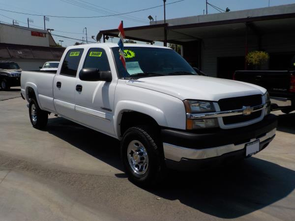 2004 CHEVROLET SILVERADO whitecharcole auto air conditioneramfm radioanti-lock brakescd pla