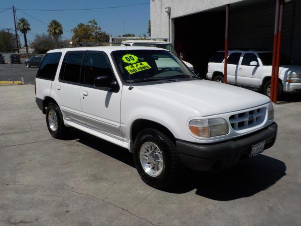 2000 FORD EXPLORER whitegray automatic air conditioneralarmamfm radioanti-lock brakescasse