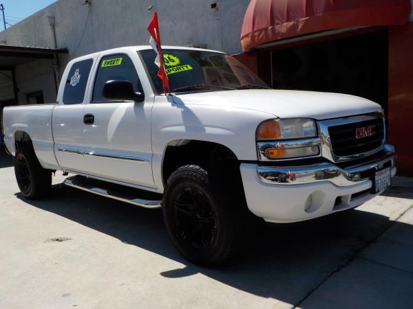 2006 GMC SIERRA 1500 X CAB whitecharcole auto air conditioneralarmamfm radioanti-lock brake