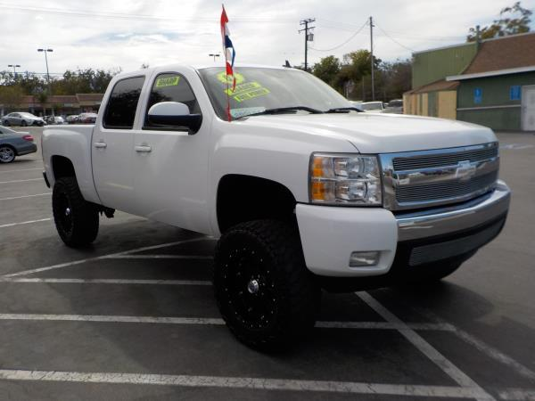 2007 CHEVROLET SILVERADO whiteblack auto air conditioneralarmamfm radioanti-lock brakescd