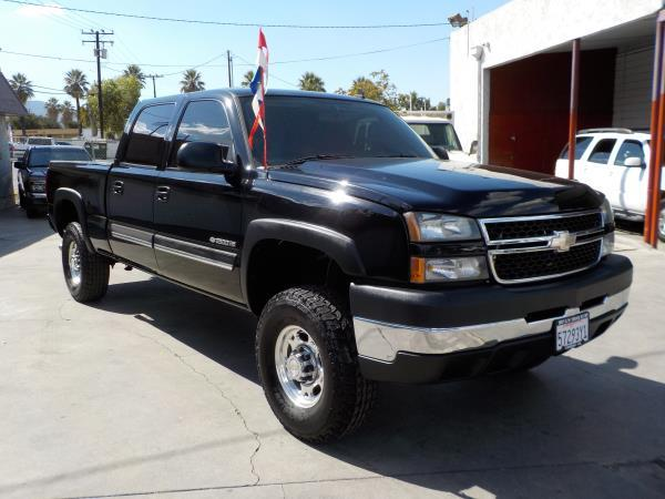 2006 CHEVROLET SILVERADO 2500HD CREW blackcharcole automatic air conditioneralarmamfm radio
