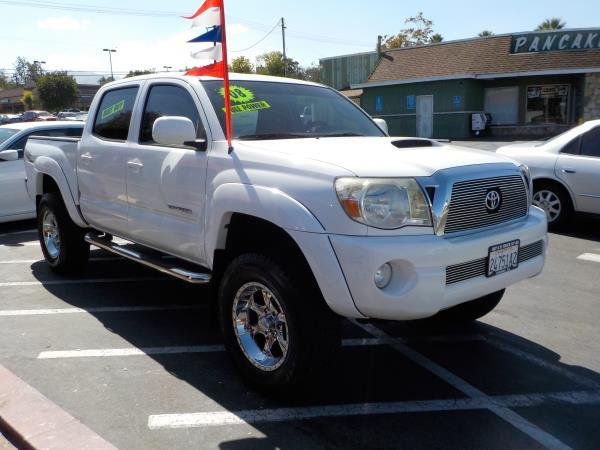 2008 TOYOTA TACOMA CREW whitegrey automatic air conditioneralarmamfm radioanti-lock brakes