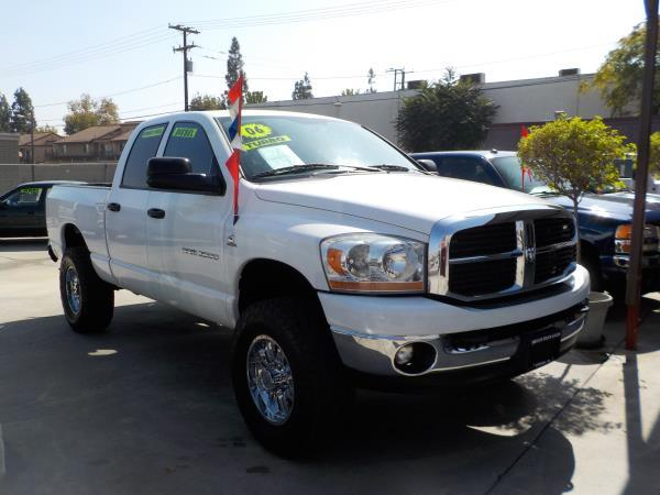 2006 DODGE RAM PICKUP whitegrey auto air conditioneralarmamfm radioanti-lock brakescd play