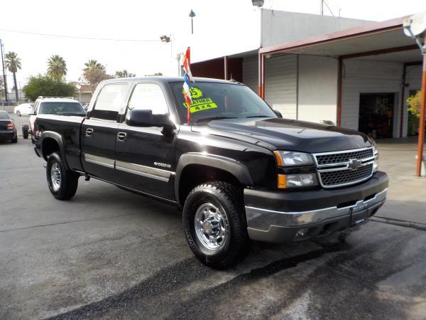 2005 CHEVROLET SILVERADO 2500 HD CREW 4WD blackcharcloe automatic air conditioneralarmamfm r
