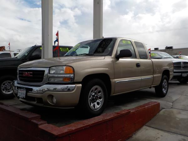 2005 GMC SIERRA 1500 X CAB goldtan automatic air conditioneralarmamfm radioanti-lock brakes