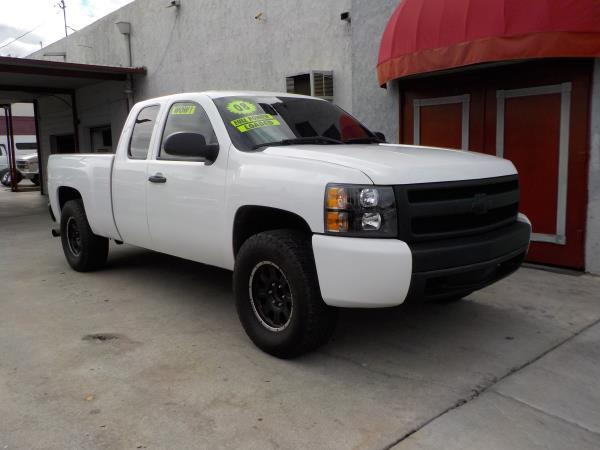 2008 CHEVROLET SILVERADO whiteblack automatic air conditioneralarmamfm radioanti-lock brake