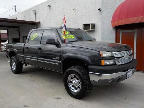 2005 CHEVROLET SILVERADO 2500HD CREW charcolecharcole automatic air conditioneralarmamfm rad