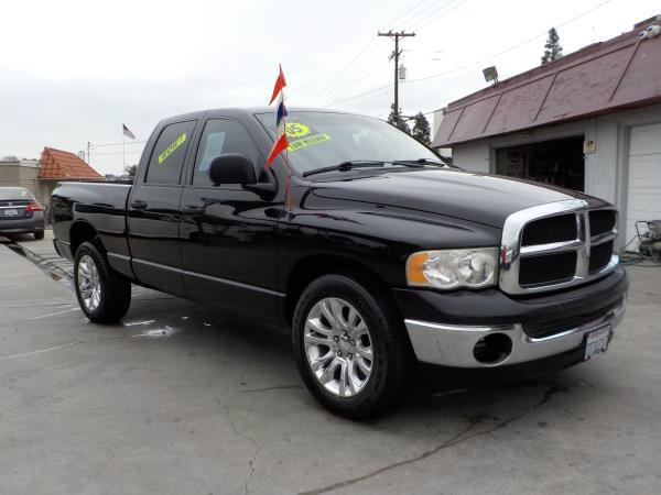 2005 DODGE RAM PICKUP 1500 QUAD blackcharcole automatic air conditioneralarmamfm radioanti-