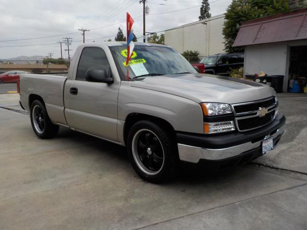 2006 CHEVROLET SILVERADO 1500 REG CAB silverbirchcharcole automatic air conditioneramfm radio