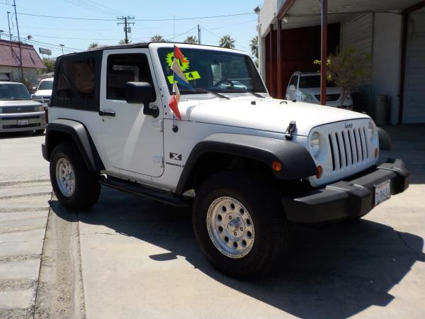 2007 JEEP WRANGLER whitegray automatic air conditioneramfm radioanti-lock brakescd playerd