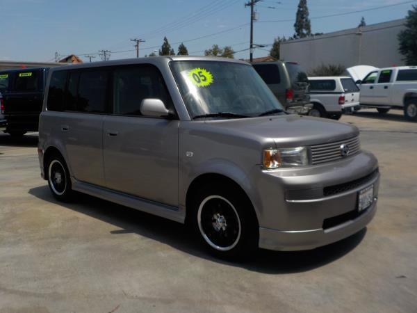 2005 SCION XB silverblack 4 speed automatic air conditioneramfm radioanti-lock brakescd pla