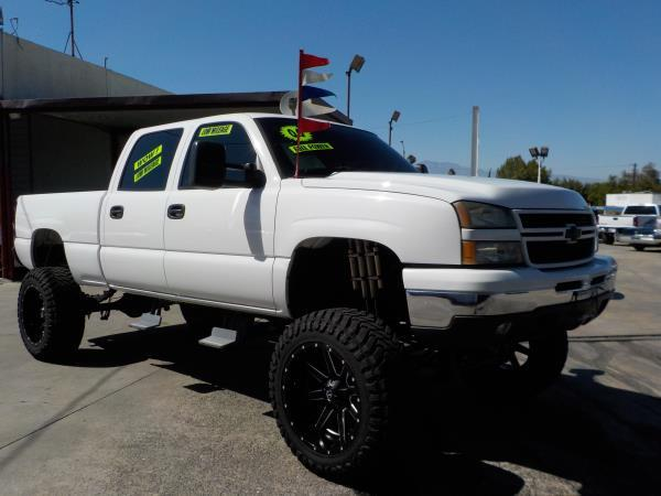 2006 CHEVROLET SILVERADO 1500HD CREW whitecharcole air conditioneralarmamfm radioanti-lock b