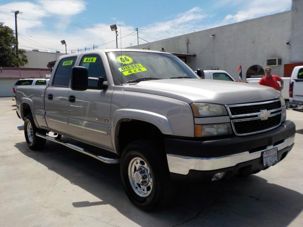 2006 CHEVROLET SILVERADO 2500HD CREW silverbirchcharcole automatic air conditioneralarmamfm