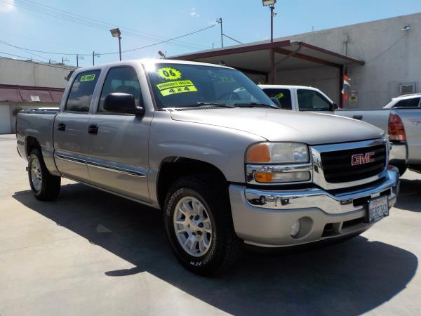 2006 GMC SIERRA 1500 CREW 4WD silver birchcharcole automatic air conditioneralarmamfm radio
