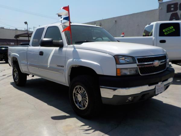 2005 CHEVROLET SILVERADO 2500HD X CAB whitegrey auto air conditioneralarmamfm radioanti-loc