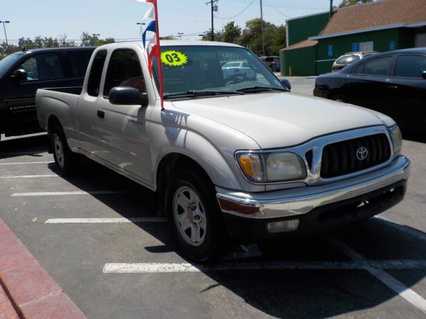 2003 TOYOTA TACOMA silvergrey manual air conditioneralarmamfm radioanti-lock brakescassett