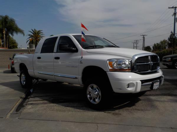 2006 DODGE RAM PICKUP 3500 MEGA whitetan auto air conditioneralarmamfm radioanti-lock brake