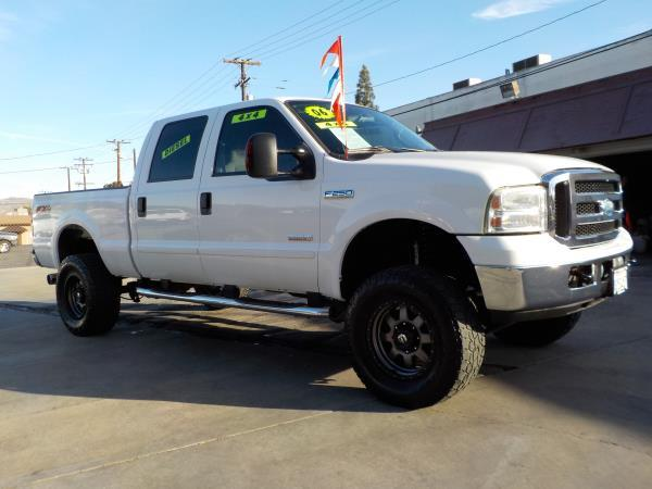 2006 FORD F-250 CREW 4WD whitegrey automatic air conditioneralarmamfm radioanti-lock brakes