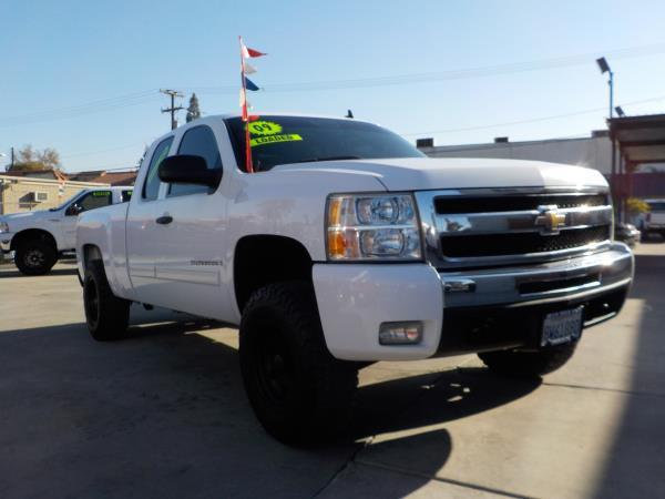 2009 CHEVROLET SILVERADO 1500 X CAB whiteblack automatic air conditioneralarmamfm radioanti