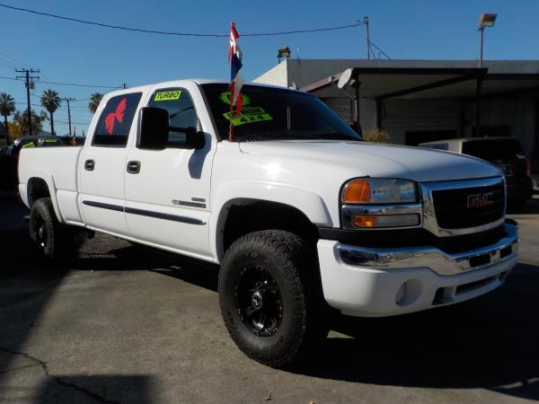 2007 GMC SIERRA CLASSIC CREW 4WD whitetan automatic air conditioneralarmamfm radioanti-lock