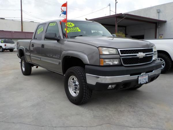 2006 CHEVROLET SILVERADO 2500 HD CREW smoke greygrey auto air conditioneralarmamfm radioant