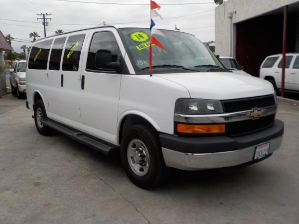 2014 CHEVROLET EXPRESS whitegray cloth automatic air conditioneralarmamfm radioanti-lock br