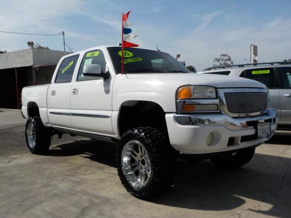 2005 GMC SIERRA 1500 CREW whitegrey automatic air conditioneralarmamfm radioanti-lock brake