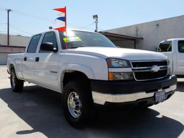 2007 CHEVROLET SILVERADO CLASSIC CREW whitetan automatic air conditioneralarmamfm radioanti