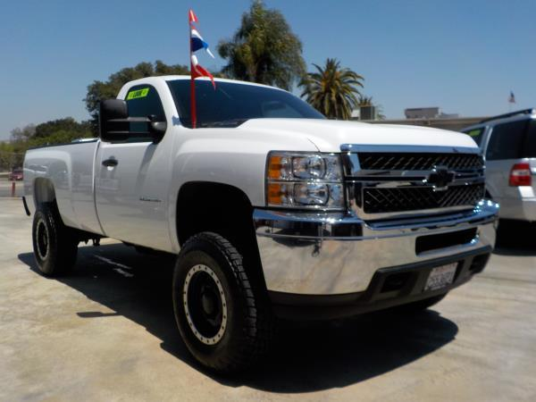 2014 CHEVROLET SILVERADO HD whiteblack auto air conditioneramfm radioanti-lock brakescruise