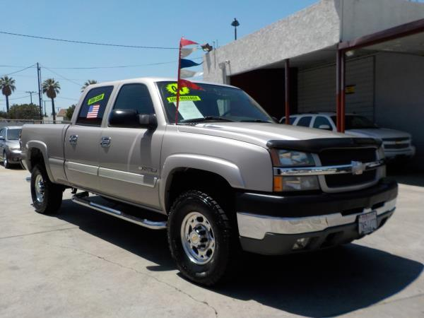 2004 CHEVROLET SILVERADO 2500HD CREW silverbirchcharcole automatic air conditioneralarmamfm