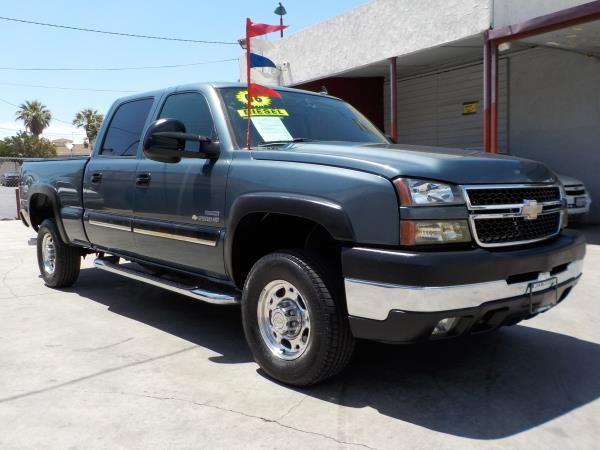 2006 CHEVROLET SILVERADO 2500HD CREW smoke bluegrey automatic air conditioneralarmamfm radio